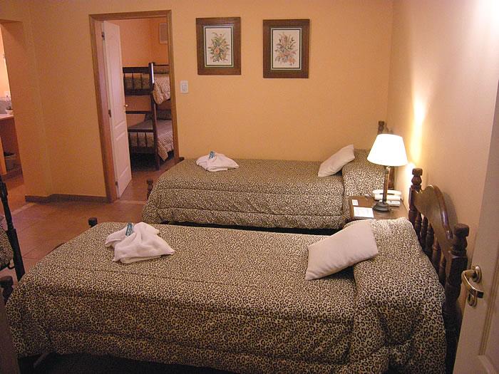 Fotos de las habitaciones hotel mon robe ruta 5 - Habitaciones de dos camas ...